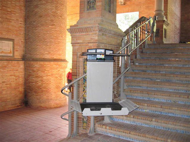 Montascale porta carrozzine per disabili pedana per disabile for Montascale usato